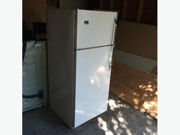 free apartment size refrigerator saanich victoria