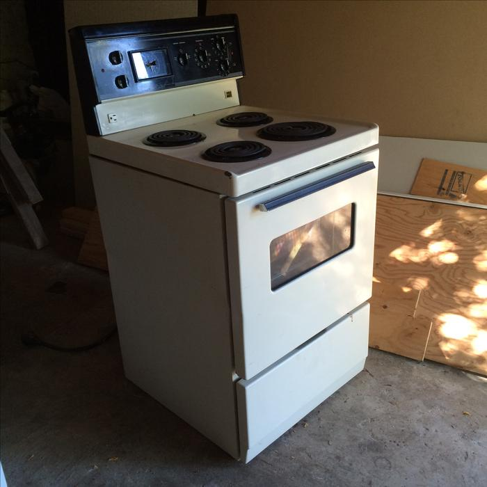 free apartment size electric stove saanich victoria