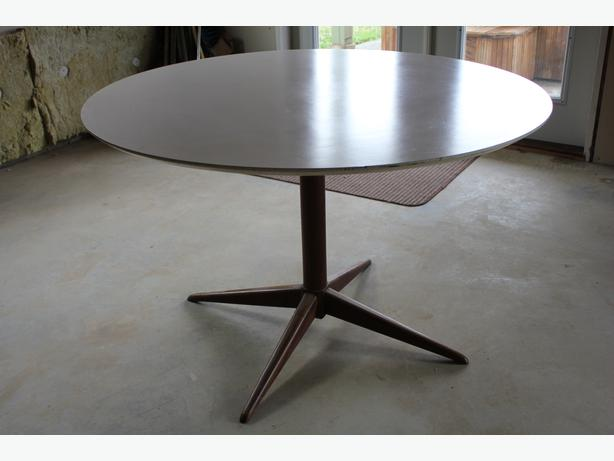 made in denmark round white lacquered finish teak pedestal table