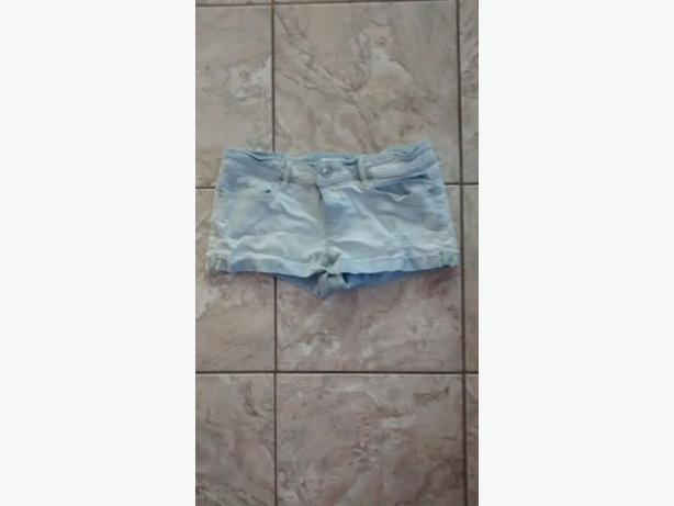Ladies Aeropostale Jean Shorts - Size 5/6