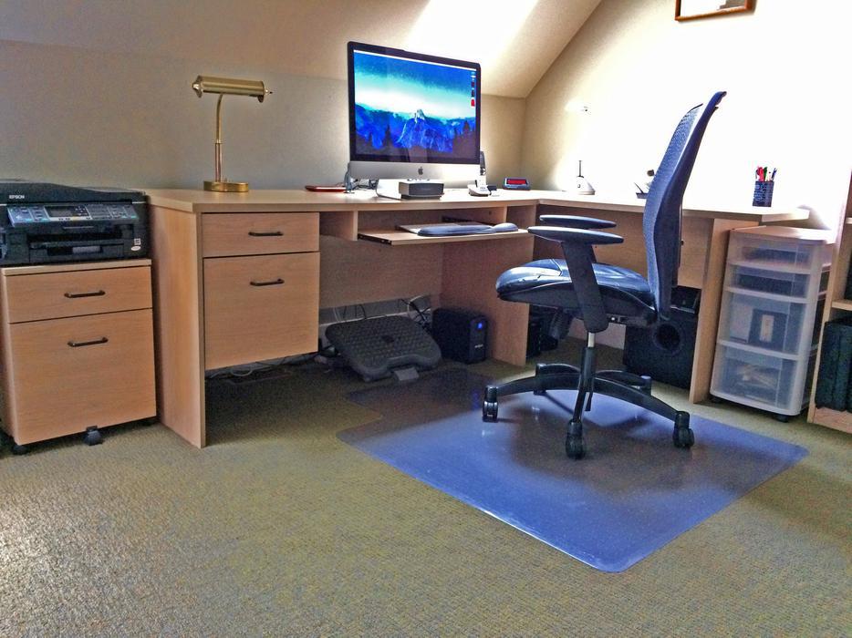 5 Piece Modular Office Furniture Set North Saanich