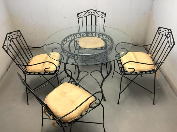 Dining room or outdoor dining set stratford pei for Used patio dining sets