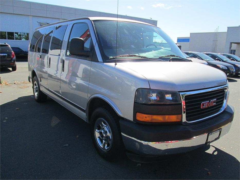 2006 gmc savana g1500 outside nanaimo nanaimo mobile. Black Bedroom Furniture Sets. Home Design Ideas