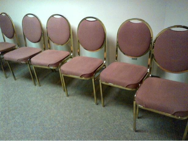 15 BANQUET HALL RECEPTION VISITOR ROSE METAL FRAME TABLE CHAIRS