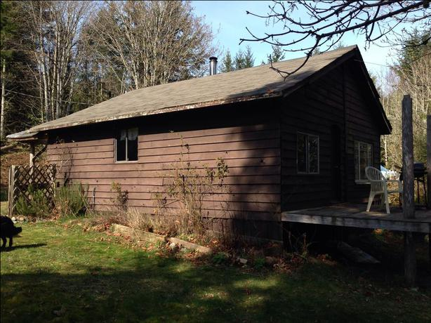 Rustic cabin sooke victoria for Log cabins victoria
