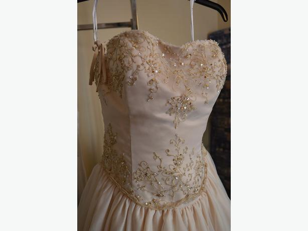 New wedding dress - Robe de mariee neuve Gatineau Sector (Quebec ...