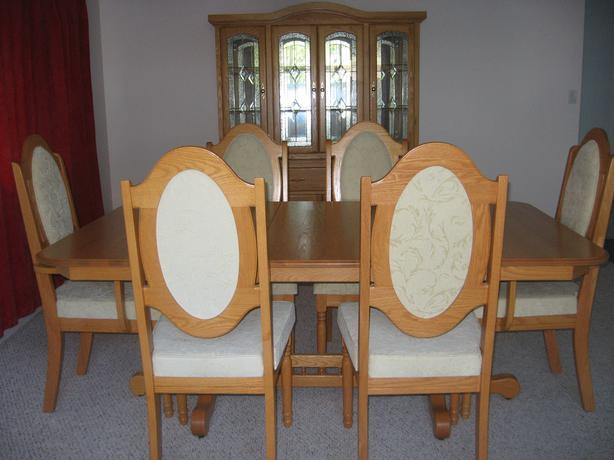 Dining Room Table Display Case Outside Nanaimo Nanaimo
