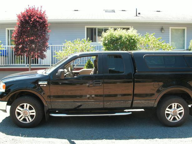 fully loaded 2005 ford f 150 lariat super cab 4x4 6 passenger excellent shape lake cowichan. Black Bedroom Furniture Sets. Home Design Ideas