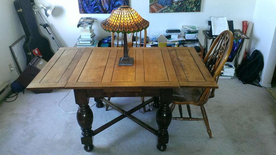 Solid oak dining table 4 solid oak chairs victoria city for Dining room tables victoria bc