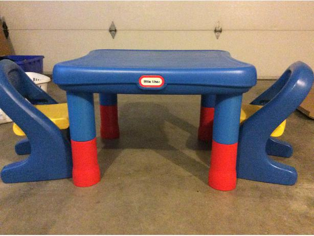 little tikes table with two chairs height adjustable esquimalt view royal victoria mobile. Black Bedroom Furniture Sets. Home Design Ideas