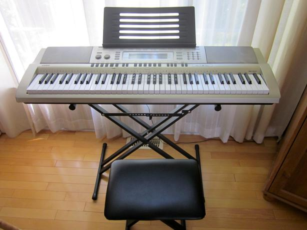 casio wk 200 keyboard plus stand and bench hull sector quebec ottawa. Black Bedroom Furniture Sets. Home Design Ideas