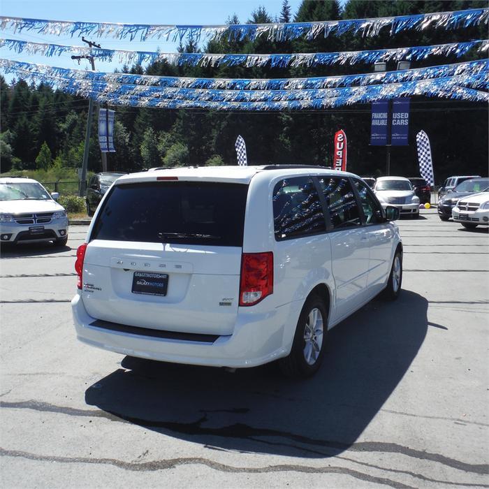 Used Dodge Caravan: 2014 Dodge Grand Caravan SXT-Bluetooth, Backup Camera, DVD