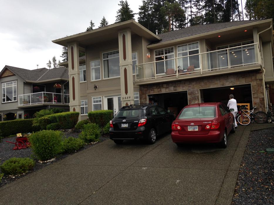 Aug cliffside moving estate sale in nanaimo north