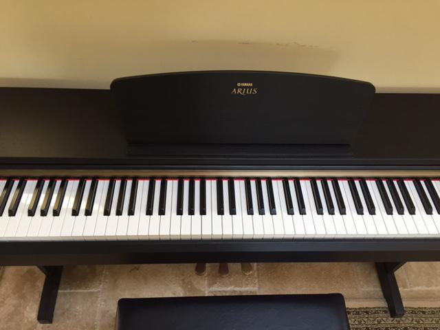 yamaha arius ydp 161 electronic piano west shore langford. Black Bedroom Furniture Sets. Home Design Ideas