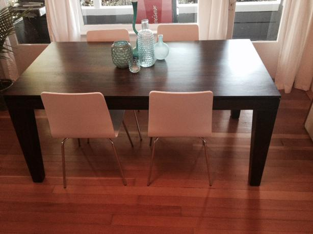 West elm dining room table victoria city victoria for Dining room tables vancouver