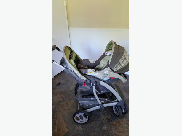 obo graco quattro tour travel system carseat stroller carrier combo central saanich victoria. Black Bedroom Furniture Sets. Home Design Ideas