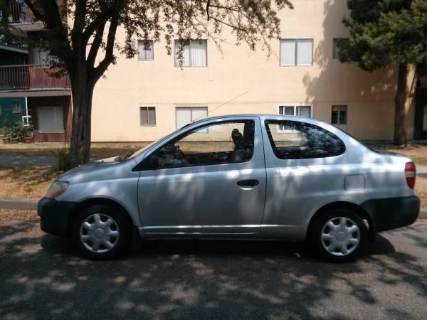 2001 Toyota Echo Crofton Cowichan Mobile