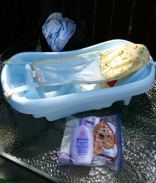 newborn baby toddler bathtub east regina regina mobile. Black Bedroom Furniture Sets. Home Design Ideas
