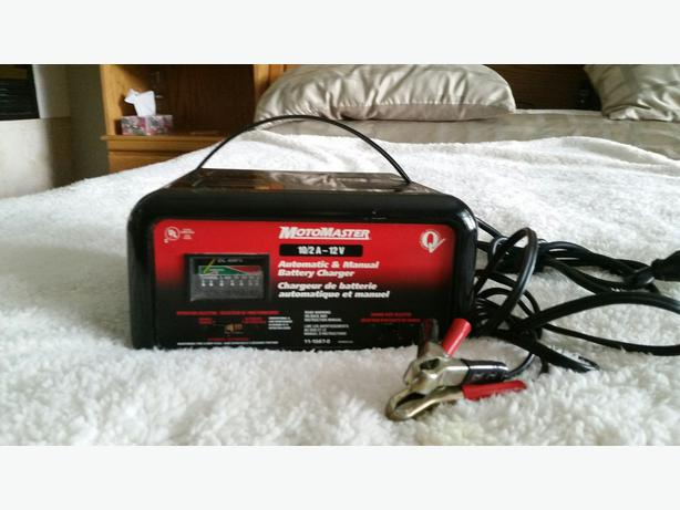 Motomaster Battery Charger Central Saanich  Victoria
