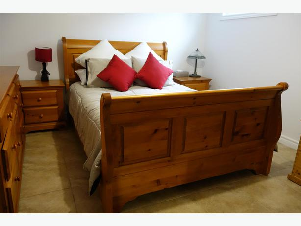 Solid Wood Queen Bedroom Set For Sale Gatineau Sector Quebec Ottawa