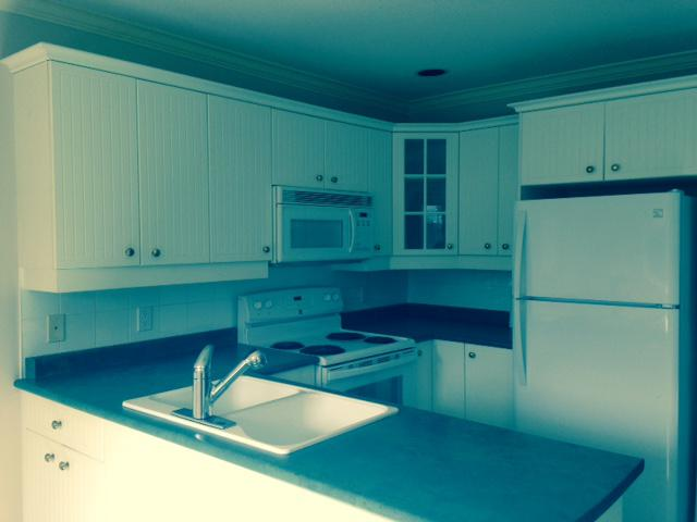 Complete set kitchen cabinets parksville nanaimo for Kitchen cabinets nanaimo