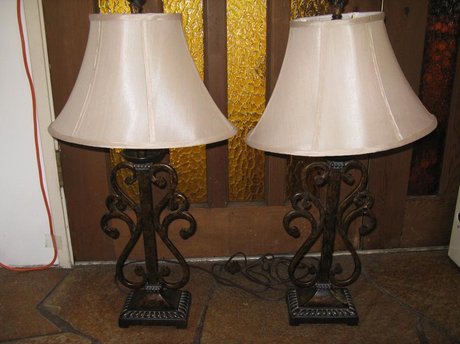 Salt Lamps Guelph : Table Lamps - Set of two Nanoose Bay, Nanaimo