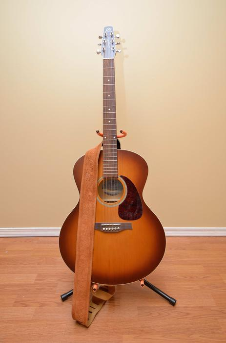 guitar for sale outside nanaimo parksville qualicum beach mobile. Black Bedroom Furniture Sets. Home Design Ideas