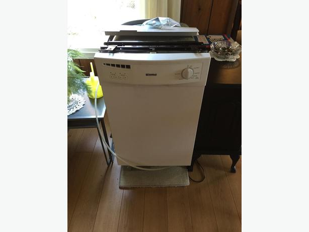 18 inch kenmore apartment size built in dishwasher west