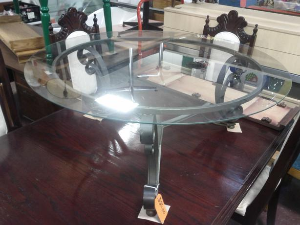 Metal and glass coffee table outside nanaimo parksville for Coffee tables 16 inches high