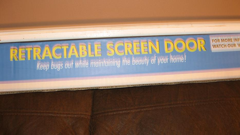 Retractable screen door central nanaimo parksville for Bella retractable screen door