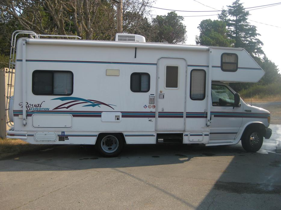 24 Class C 1999 Ford Royal Expedition Motorhome Victoria