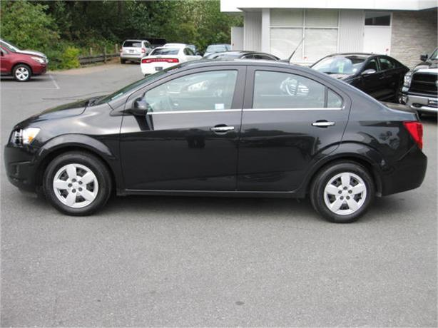 2014 chevrolet sonic lt outside victoria victoria. Black Bedroom Furniture Sets. Home Design Ideas