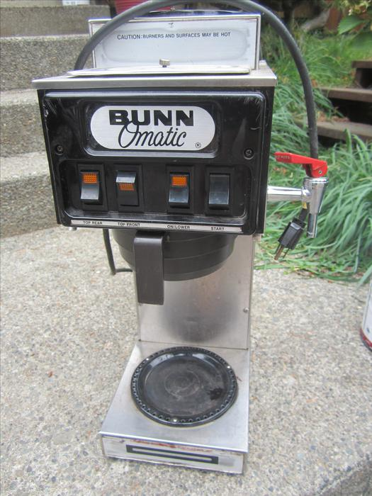 Crofton Coffee Maker With Grinder Instructions : Bunn 3 burner commercial coffee maker Crofton, Cowichan - MOBILE