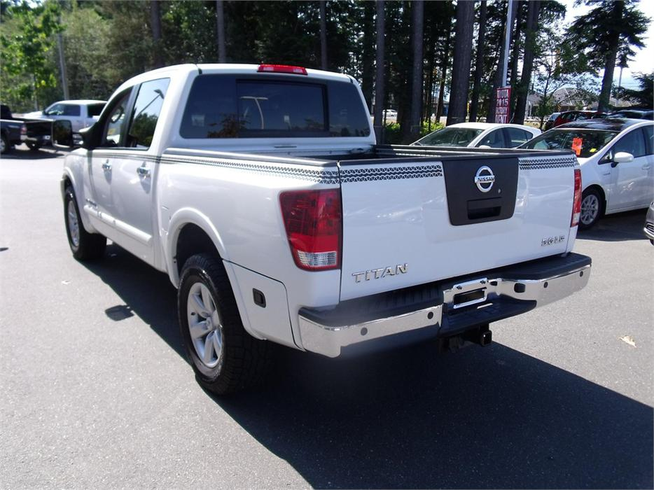 2010 nissan titan le outside nanaimo nanaimo. Black Bedroom Furniture Sets. Home Design Ideas