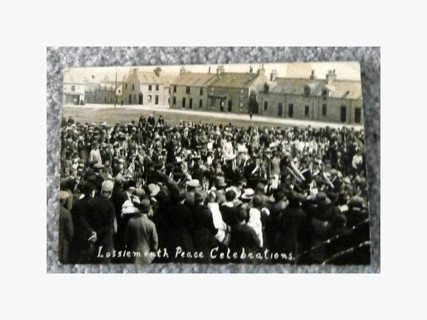 Lossiemouth Peace Celebrations Postcard-c