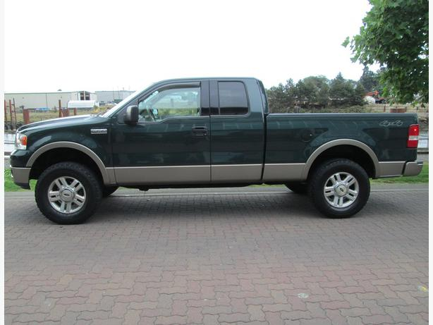 2004 ford f150 lariat 4x4 fully loaded local no accidents outside nanaimo nanaimo. Black Bedroom Furniture Sets. Home Design Ideas