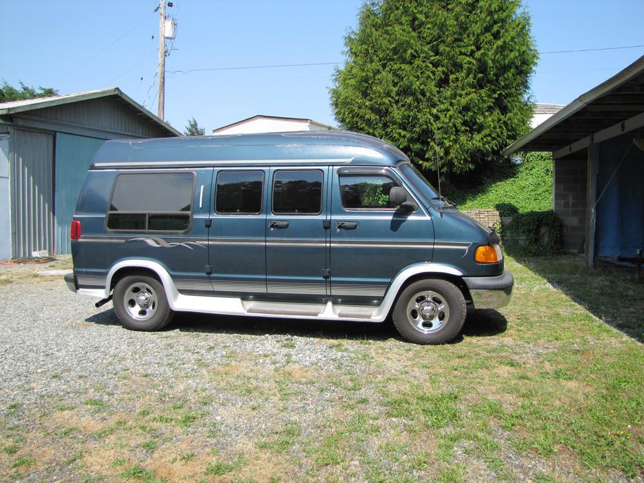 2003 dodge ram 1500 camper van outside nanaimo nanaimo. Black Bedroom Furniture Sets. Home Design Ideas