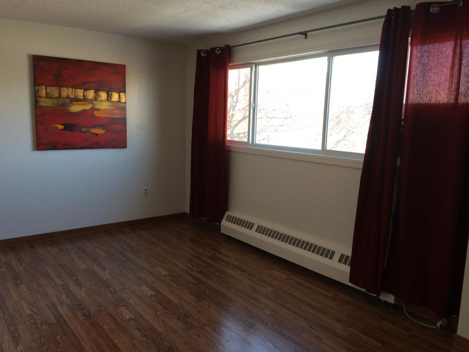 1 bedroom apartment rental near downtown 2249 cornwall