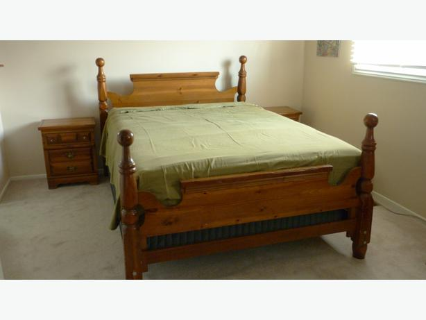 solid wood queen double bedroom set 6 pieces orleans ottawa. Black Bedroom Furniture Sets. Home Design Ideas
