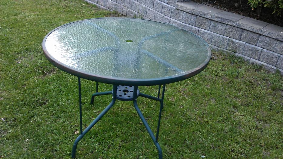 Small patio table kanata ottawa mobile for Outdoor furniture ottawa
