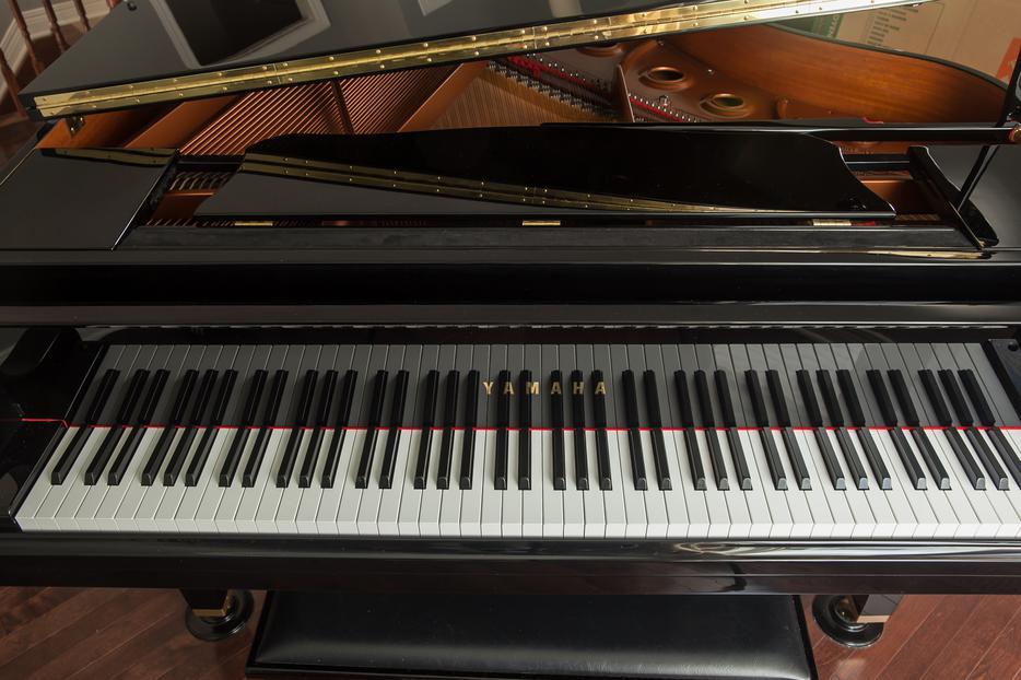 Gb1 yamaha baby grand piano orleans ottawa mobile for Yamaha piano store winnipeg