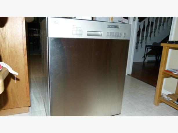 Free Lg Dishwasher For Repair Or Parts Central Saanich