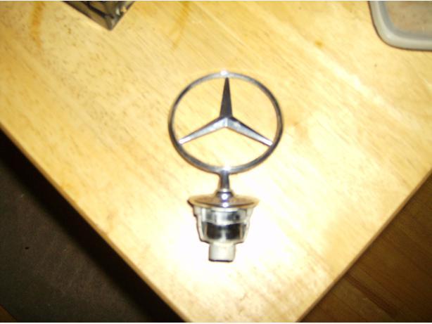 Mercedes benz hood ornament east regina regina for Mercedes benz hood ornament