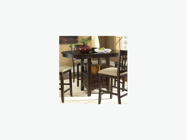 round dining room table expandable and 4 chairs saanich