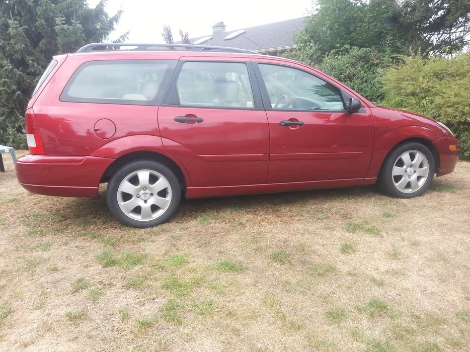 2002 ford focus ztw wagon central saanich victoria. Black Bedroom Furniture Sets. Home Design Ideas