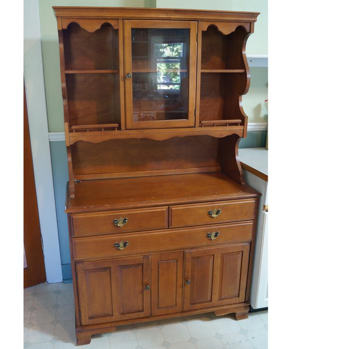 Country Kitchen Hutches: Country Kitchen China Hutch Ladysmith, Cowichan