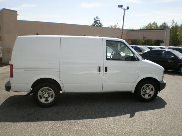2005 chevrolet astro cargo van bulkhead and shelving surrey incl white rock vancouver mobile. Black Bedroom Furniture Sets. Home Design Ideas
