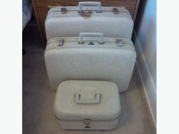 Vintage McBrine hard-case luggage set of 3 South Regina, Regina