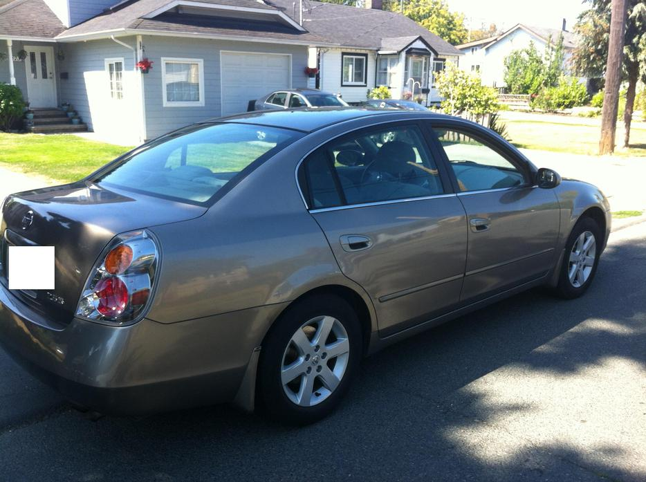 2004 nissan altima 2 5s auto only 84k saanich victoria. Black Bedroom Furniture Sets. Home Design Ideas