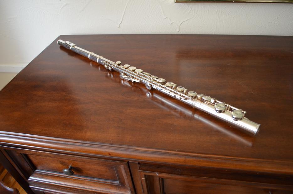 Yamaha yfl 221 student flute central ottawa inside for Yamaha yfl 221 student flute